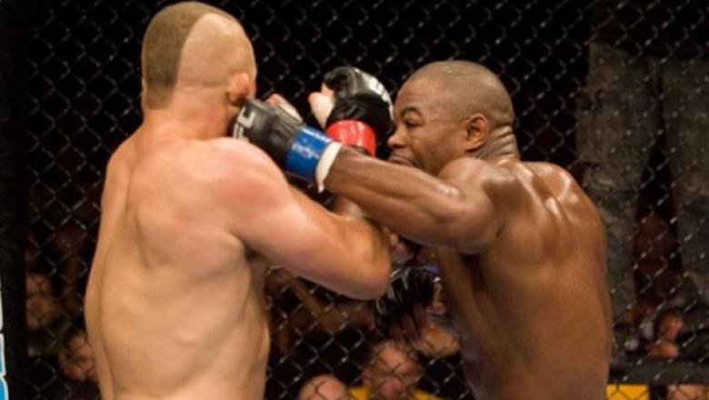 ราแชด อีแวนส์ vs ชัค ลิดเดลล์ ใน UFC 88 ปี 2008